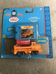 Thomas and Friends Take Along Sodor Oil Company Portable Die Cast Magnet Connect