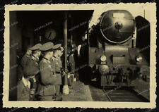 Bahnhof-Aalen-Lokomotive-Reichsbahn-Rekruten-1940-Offiziere-N.E.A.5-