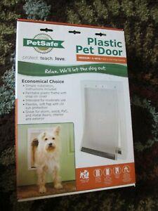 NIB NEW ~~ PetSafe 🐶 MEDIUM DOG 🐱Large CAT 1-40lb Plastic PET DOOR PPA00-10959