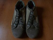 Chaussures CATERPILLAR Vert kaki / kaki T: 44-45