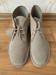Men's Clarks Originals Lace up Suede Upper Desert Boots size US 10,5 EU 44
