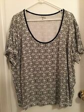 N.Y.L. ladies Tee Top, size 3X, White with Black Geo. Printt NWOT
