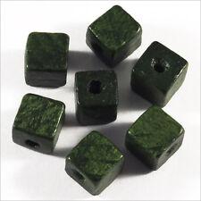 Lot de 40 Perles Cubes en Bois 8mm Vert Foncé