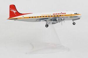 HE570855 Herpa Qantas Dc-4 1:200 Model Airplane