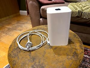 Apple Airport Extreme A1521 Wifi Router Base Station