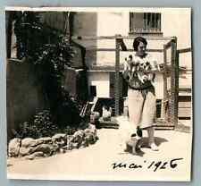 France, Petits chiens, leur maman et la maîtresse  Vintage silver print.  Tira