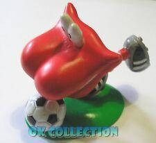 BURGHY WILLY DENTY calciatore - personaggio anni '90 in pvc di circa 7 cm