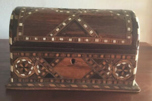 Lovely Antique/Vintage Wooden Inlay Jewellery/Decorative  Chest