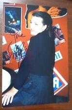 Milla Jovovich - original Autogramm auf Foto 20x30 cm signiert