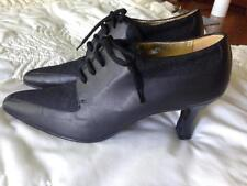 Escada Black Leather and Felt 2 1/2 Inch Heels Size 7 AA Shoes