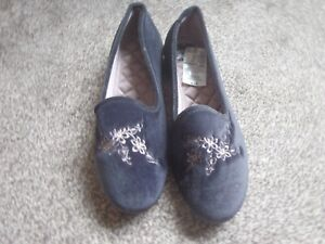Marks and Spencer charcol slipper size 8