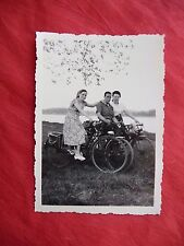 PHOTOGRAPHIE ANCIENNE ,jeunes gens à Vélo bicyclette , photo old french bicycle