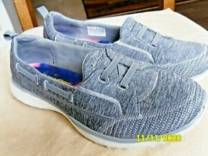 Skechers Women's Microburst - Topnotch Casual Walking Sneaker Size 8 Wide Gray