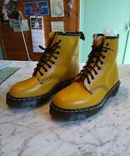 Dr Martens Aire Wair amarillo mostaza, 8 agujero Laceup Botas De Cuero, Nueva Talla 8 euro 42