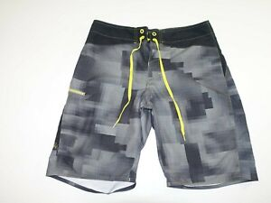 Under Armour Men's Board Shorts Size 32 Gray Black 100% Polyester Tie Waistband