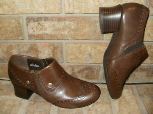"""New Born Brown Leather Sia Casual Shoe 10 M(EUR 42)/ 2"""" Heel/ Side Zip MSRP $112"""