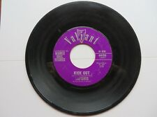 45 RPM Safaris Kick Out Lonely Surf Guitar Valiant Records #R072