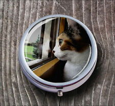 CAT AT WINDOW FUNNY PILL BOX ROUND METAL -uig4Z