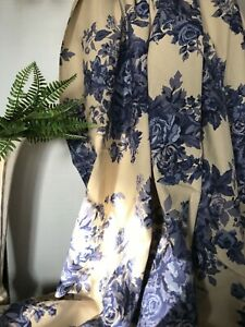 Round Blue & Beige Chinoiserie Tablecloth