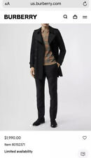 100% Authentic Burberry Olive Men's Trenchcoat - Size 48. Great Condition