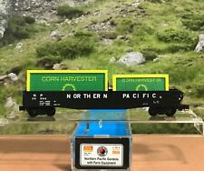 N SCALE COLLECTOR NSC MTL 10-45 NORTHERN PACIFIC GONDOLA WITH FARM EQUIPMENT