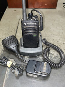 Motorola Radius CP110m 2W 2 Channel MURS VHF Two Way Radio with Charger & Mic