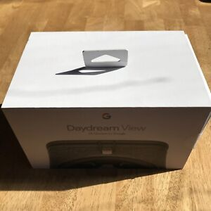 Google Daydream View VR Headset  Gray, Used, For Android and Google Phones