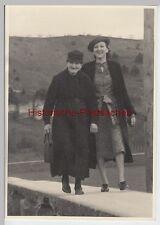 (F7205+) Orig. Foto Damen spazieren 1939