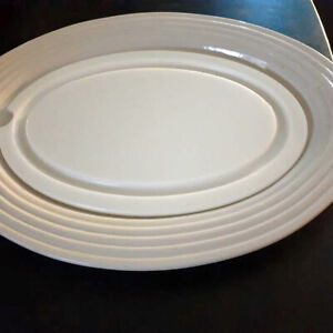 Pampered Chef New Traditions Stoneware Oval Carving Platter #1319 & Insert