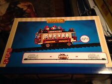 LEMAX SIGHTS AND SOUNDS SANTA'S CABLE CAR VILLAGE TRAIN TRACK SET-NEW