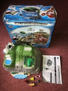 THUNDERBIRDS MOVIE DX TRACY ISLAND PLAYSET BOXED BANDAI ACTION FIGURE TOY