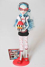 Monster High Ghoulia Yelps Todmüde dead tired