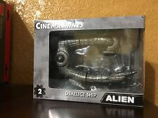 NECA CINEMACHINES Series 1  ALIEN DERELICT SHIP Alien Die Cast