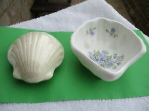 VINTAGE SHELL/ SCALLOP DESIGN `FORGET ME NOT FLOWERS` FOOTED SOAP DISH & SOAP