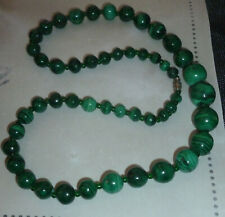 !! Joli collier en pierre malachite !