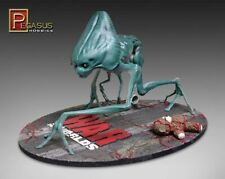 Pegasus > War of the Worlds > Alien Creature Model Kit, 1:8 Scale [9007]