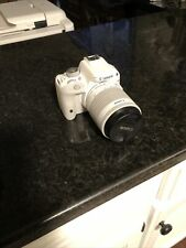 Canon EOS Rebel SL1 / EOS 100D 18.0MP Digital SLR Camera - White (Kit w/ EF-S IS