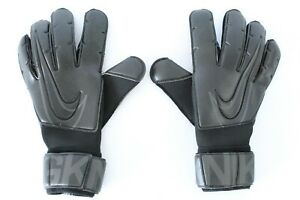 Nike Vapor Grip III Goalkeeper Gloves, UK Size 11