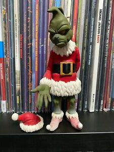THE GRINCH WITH MAX BUNDLE WHERESCHAPELL STATUES
