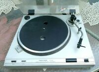 Realistic LAB 395 Direct Drive Automatic Turntable Record Player
