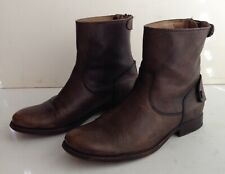 FRYE Brown Leather Ankle Boots Women's Size 6B Back Zipper Snap Flaps