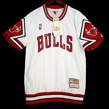 100% Authentic Bulls Mitchell & Ness Bulls Home Shooting Shirt M 40 - jordan