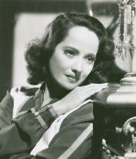 Merle Oberon UNSIGNED photograph - M2600 - Dark Waters - NEW IMAGE!!!!