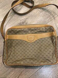 Gucci Vintage  Bag 001 904 0848