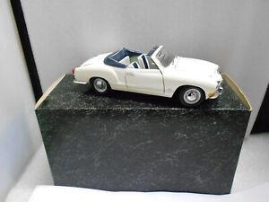 MINICHAMPS PAULS MODEL ART 1/24 VW KAKARMANN GHIA CABRIOLET CREAM DISPLAY STOCK