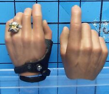 Hot Toys 1:6 MMS194 The Expendables 2 Barney Ross figure - gloved palm with ring