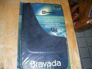NOS Genuine GM 12497433 12371104 Splash Mud Guard 02 03 04 Oldsmobile Bravada