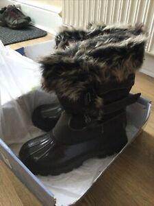 Trespass Ladies Snow Boots Size 8