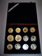 12 Medaillen   PP  in Holzbox