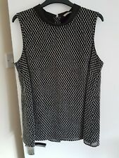 Black And White lined Top Size 14 New